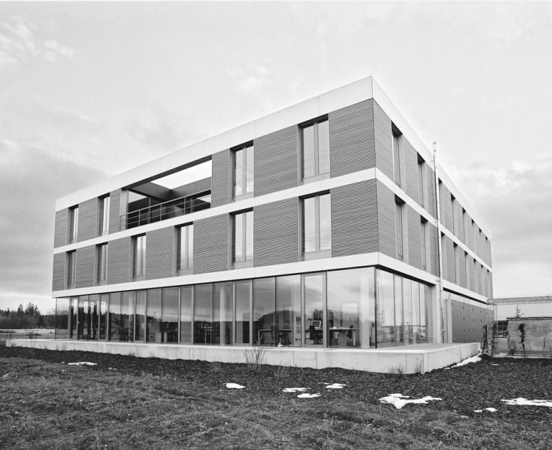 Büro- und Betriebsgebäude in Gilching