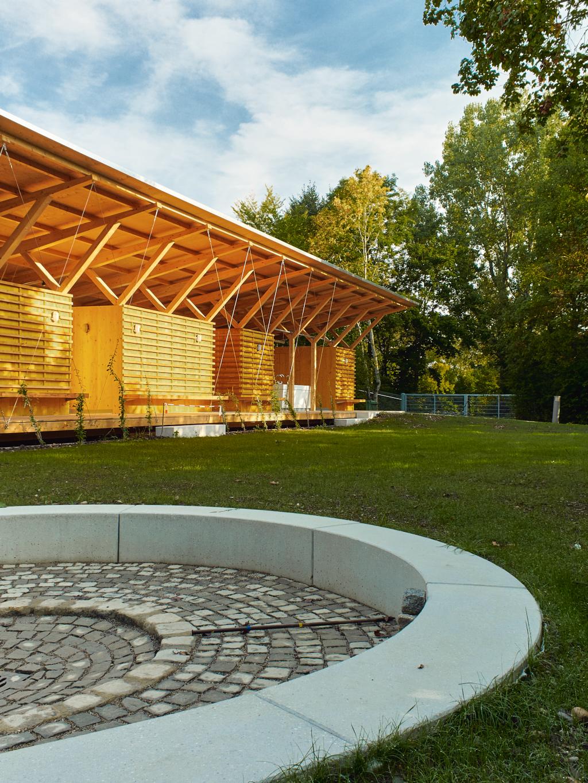 Sanitärgebäude am Jugendzeltplatz auf der Shortlist zum Heinze ArchitektenAWARD 2019