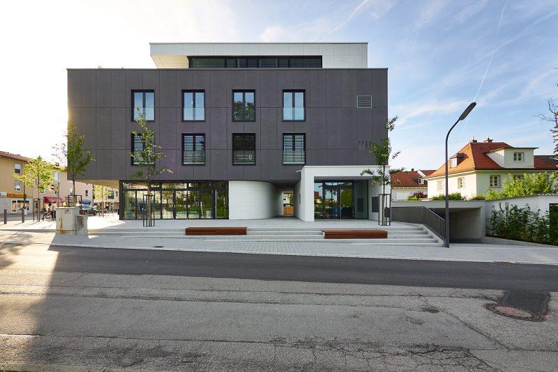 Wohn- und Geschäftshaus in Gilching